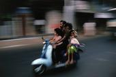 Familj på vespa, Indien