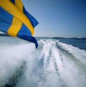 Båt med svenska flaggan