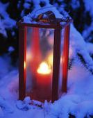 Ljuslykta i snö