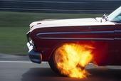 Brinnande bil