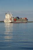 Containerfartyg i Stockholms skärgård