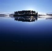 En ö i Holmsjön, Värmland
