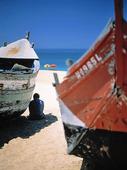 Fiskebåtar på strand, Portugal