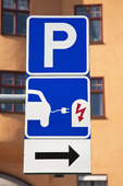 Trafikskylt - Laddning av eldrivna bilar