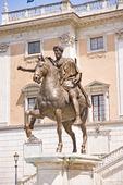 Staty av marcus areulius i Rom, Italien
