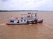 Båt på Amazonfloden, Brasilien