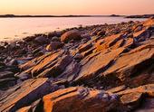 Klippor vid havskust