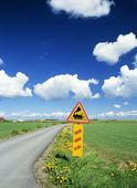 Trafikskylt i landskap