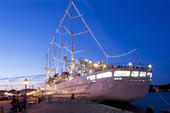 Världens största segelfartyg Wind Surf