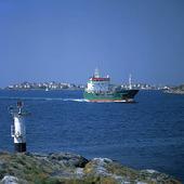Fartyg vid Södra Meholmen fyr, Bohuslän