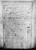 Klotter på dörr. 60-talet