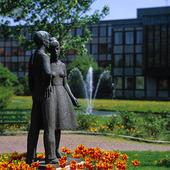 Statue in Mölndal, Västergötland