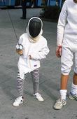 Barn lär sig fäktas