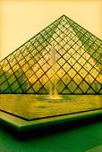 Pyramide du Louvre i Paris, Frankrike
