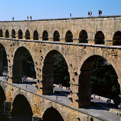 Akvedukt vid Pont Du Gare i Provence, Frankrike