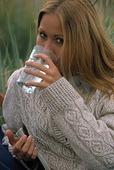 Kvinna dricker