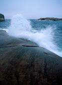 Vågstänk mot klippor, Bohuslän