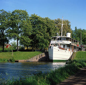 Kanalbåt i sluss, Västergötland