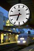 Klocka på järnvägsstation