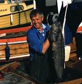 Fiskare med stor fisk