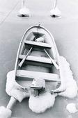 Fritidsbåt i is