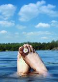 Fötter i vatten
