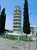 Lutande tornet i Pisa, Italien