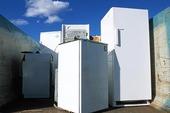 Trasiga kylskåp för återvinning
