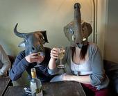 Dricka alkohol på pub