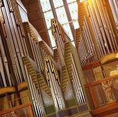 Orgel i kyrka