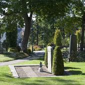 Grav på kyrkogård