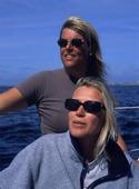 Kvinnor på segelbåt