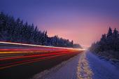 Kvällstrafik på vinterväg