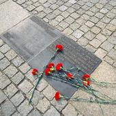 Minnesmärke över brända böcker i Berlin, Tyskland