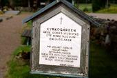 Kyrkogårdsskylt