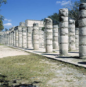 Kolonner i Chichen Itza, Mexico