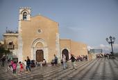 Piazza IX Aprile i Taormina på Sicilien, Italien