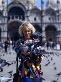Kvinna i Venedig, Italien