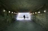 Människa i gångtunnel