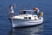 Par på motorbåt