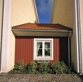 Inklämt litet hus
