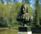 Byst av Carl von Linné, Uppsala