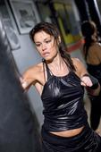 Kvinna som boxar
