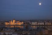 Budapest i månljus, Ungern