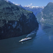 Kryssning i Geirangerfjorden, Norge