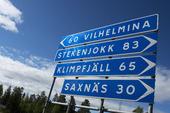 Vägskylt i Stalon, Lappland.