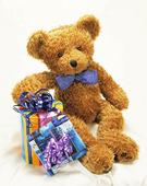 Nallebjörn med presentpaket