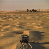 Jeep i öken, Tunisien