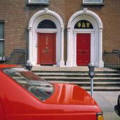 Röda dörrar i Dublin, Irland