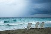 Strand med oväder